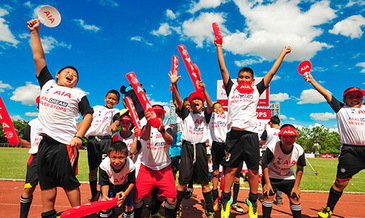 Youngsters impress at aia thailand football clinic 2015