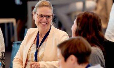 Women at sap event germany networking 2.jpg.adapt.450 250.false.false.false.false